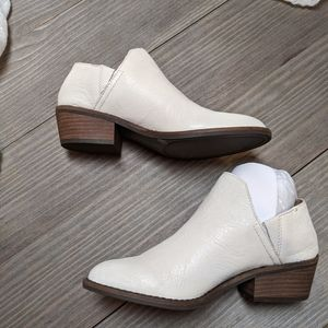 Lucky brand white booties 6.5